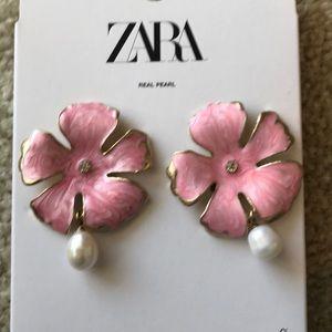 Zara Flower Pearl earrings